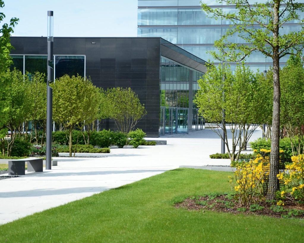 Blick aus dem Park auf auf das area3